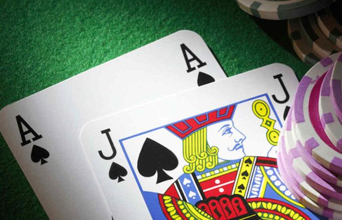 ブラックジャックのベーシックストラテジーとは?カジノ攻略法